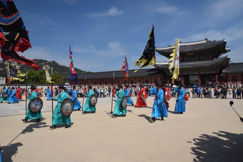 Wisseling van de wacht bij Gyeongbokgung